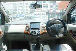 Toyota-innova-G6